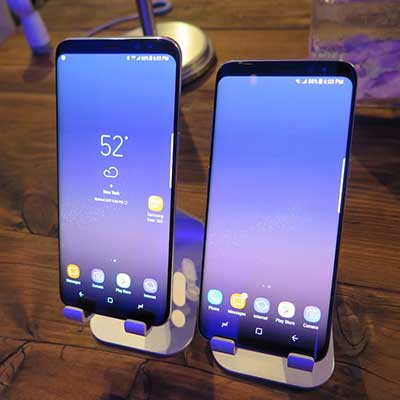 https://www.crn.com/ckfinder/userfiles/images/crn/slideshows/2017/samsung-galaxy-s8-business-features/Slide1.jpg