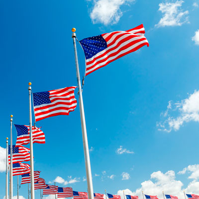 http://i.crn.com/images/us_flags_cloud_sky400.jpg